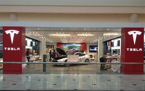 Tesla Mall The Debate Of The Direct Sales Model Youwheel Car