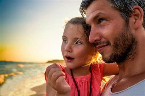 papa coge con su hija 161 va por vosotros padres inspiradores luc 237 a mi pediatra