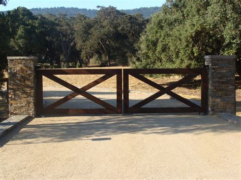 how to build a double swing wooden gate best 25 gates for driveways ideas on pinterest wooden