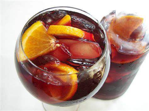 keep summer alive with simple sangria recipe the massachusetts daily collegian