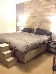notre chambre 224 coucher mur et lit en bois de grange