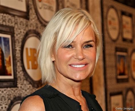 yolanda housewives of beverly hills hairstyle real housewives star yolanda foster selling beverly