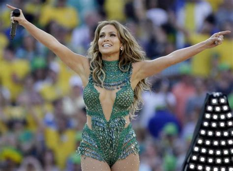 2014 new look for j lo photos la robe verte sexy de jennifer lopez football