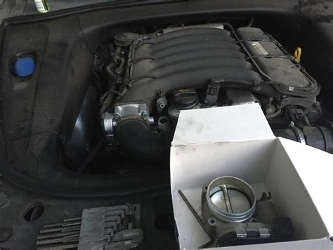 service manual how to clean 2012 porsche boxster throttle