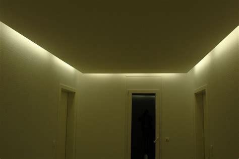 decke indirekte beleuchtung abgehangte decke mit beleuchtung indirekte beleuchtung