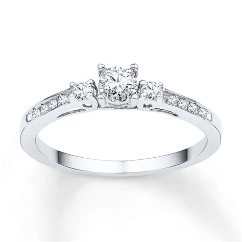 three promise ring 1 6 ct tw diamonds 10k
