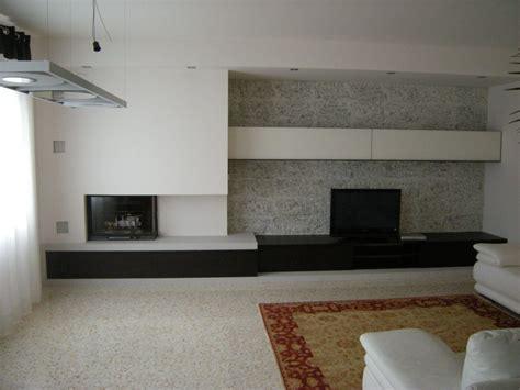 parete attrezzata con camino parete attrezzata bicolore con porta tv e camino a muro