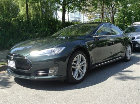 Tesla Model S Owners Tesla Model S Owners Dropped On Their Cars Like Never