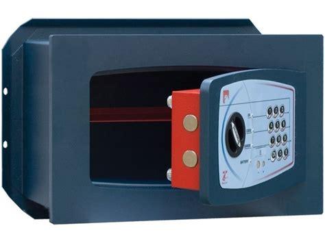 cassette di sicurezza a muro casseforti serrature tipologie cassaforte