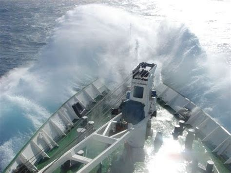 horn island boat explosion most dangerous water in the world varnic