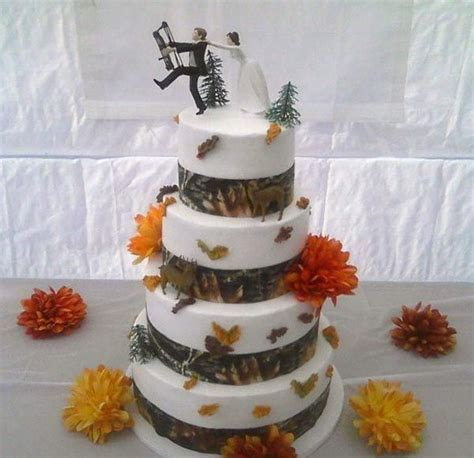 25  best ideas about Redneck Wedding Cakes on Pinterest