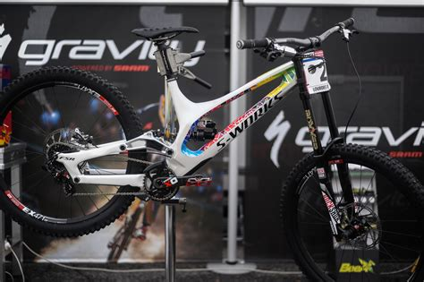 Oceansevenstore Kaos Fantastic Factory 5 loic bruni s specialized demo custom dirt