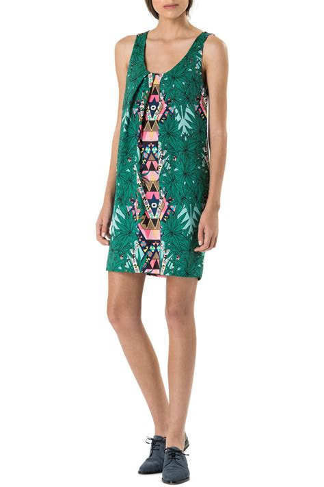 Dress D 225 style trend graphic prints 225