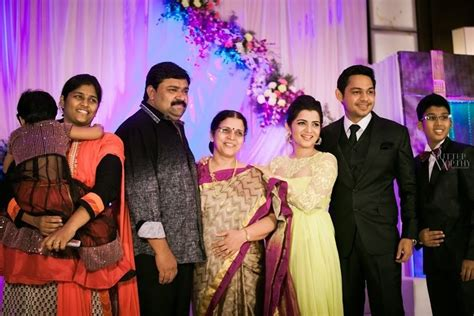 serial actor ganesh gopinath vijay tv anchor dd s divyadarshini wedding reception
