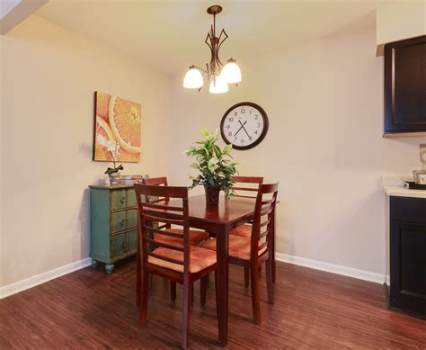 Waterford Apartments Rock Ar Beautiful Dining Room Tables Rock Ar Light Of