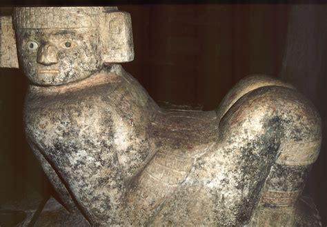 imagenes sensoriales en chac mool file chichen itza castillosub chacmool jpg wikimedia commons
