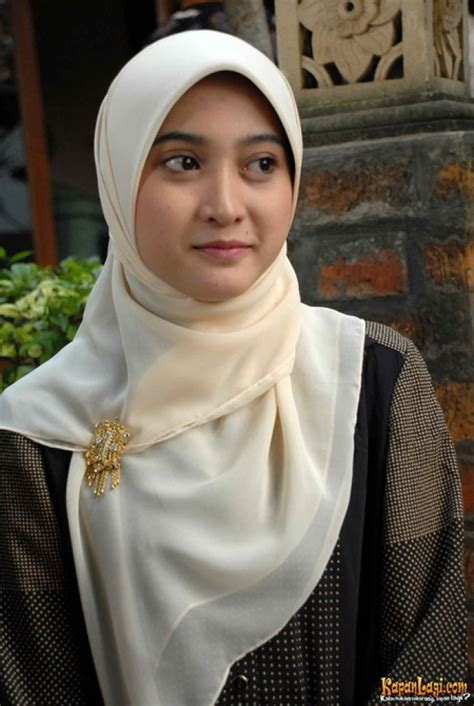 film hijab cinta search results for hijab meyda sefira calendar 2015