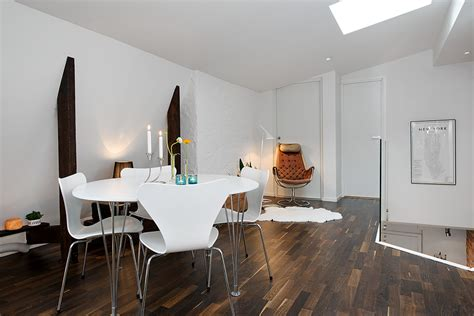 Hardwood Floor Apartment F Apartment With Terrrace White Casual Dining On Hardwood Floors Interior Design