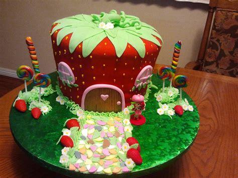 strawberry shortcake house strawberry shortcake house cakecentral com