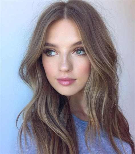 short wedge haircuts with middle part 25 best ideas about middle part hairstyles on pinterest