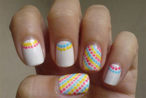 imagenes uñas decoradas blancas 35 creativos dise 241 os de u 241 as con puntitos