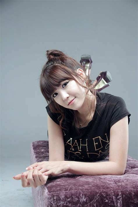 cute asian girl lee eun hye  black top  jeans