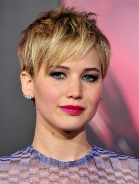 Kurzer Haarschnitt damen kurzhaarfrisur jugendlicher look mit kurzem haarschnitt