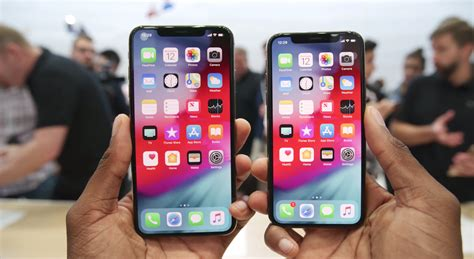 reasons   buy  iphone xs max    standard iphone xs business insider