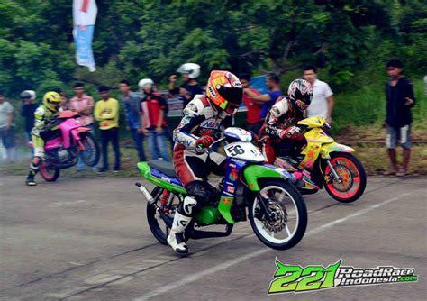 Lama Atau Fiz R Baru kelas underbone 2 tak yang lama mati hidup lagi di kepri road race indonesia