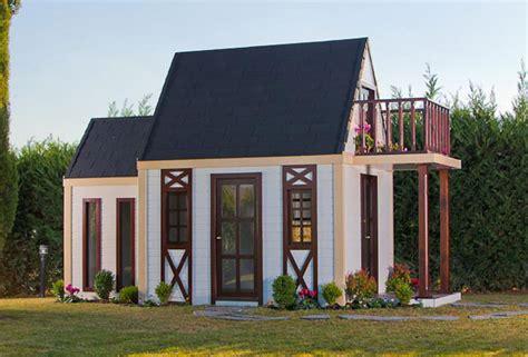 casa de juguete para jardin casitas de jardin para ni 241 os imagui