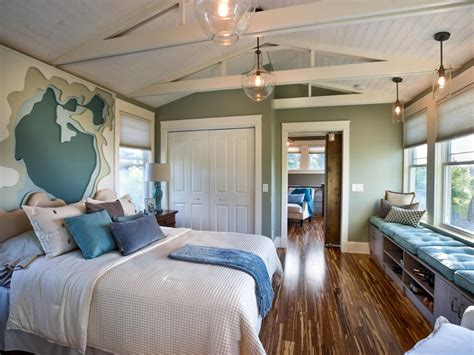 How Big Is The Average Master Bedroom by Master Bedroom Pictures From Cabin 2014 Diy Network