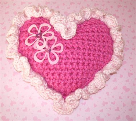 free crochet pattern heart pillow crochet heart pillow pattern free patterns for crochet