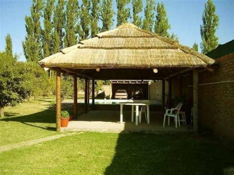 imagenes de jardines y quinchos c 243 mo hacer techos de paja para quinchos o p 233 rgolas de