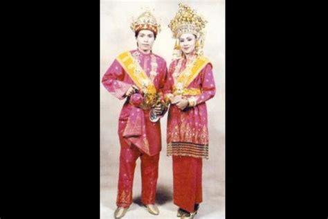 Baju Teluk Belanga Pakaian Adat Dari baju pangsi banten gt pakaian adat beautiful indonesia umm