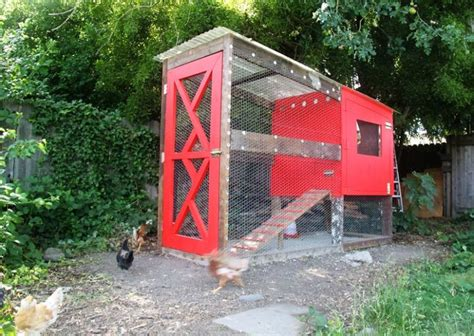 10 Diy Chicken Coops With Free Plans And Tutorials Diy Backyard Chicken Coop