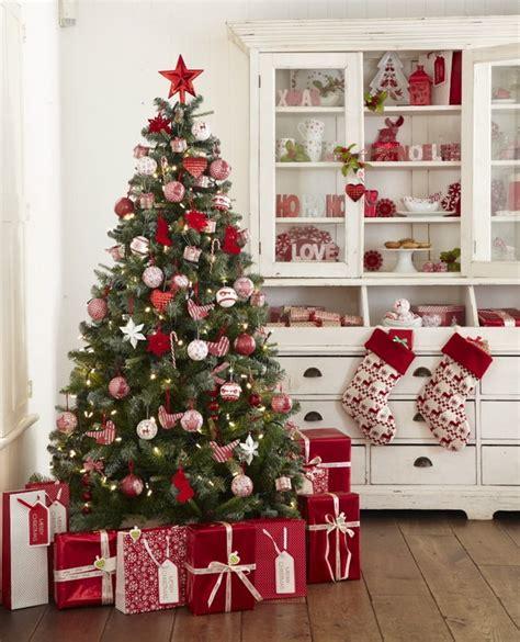 arboles navidad en ikea rojo y verde dos cl 225 sicos de la navidad decoraci 243 n navide 241 a cl 225 sica