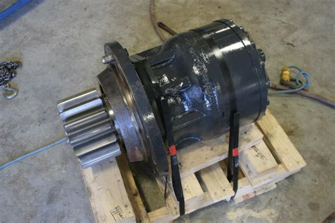 swing motor swing motors heavy equipment parts