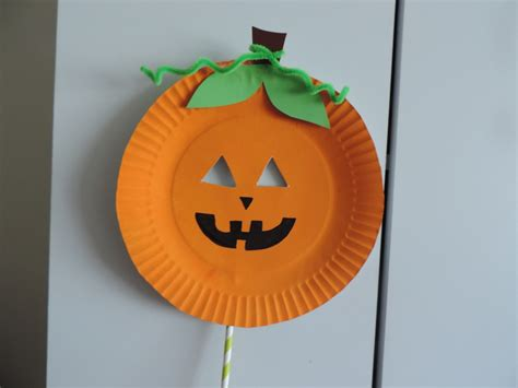 Paper Plate Pumpkin Craft - paper plate pumpkin mask my kid craft