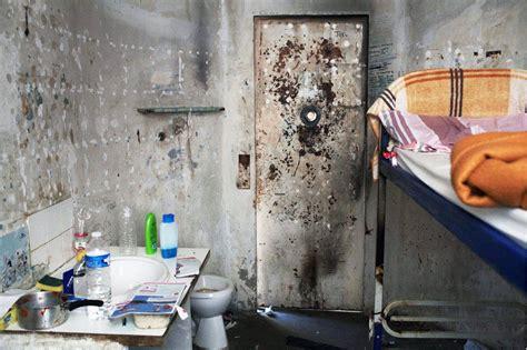 chambre prison les baumettes l effroyable prison