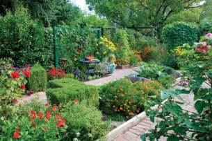 Garden Plants And Flowers Wise Pairings Best Flowers To Plant With Vegetables Organic Gardening Earth News