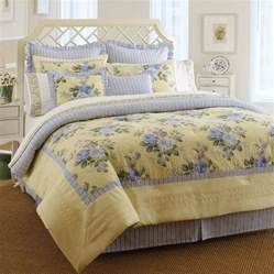 Laura Ashley Comforters 4 Pc Laura Ashley Caroline Queen Comforter Bed Set Floral
