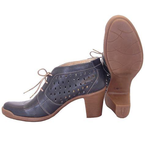 jeffrey cbell thoreau transparent cut out leather mid heeled shoes black box calfclear heelsjeffery west shoes on salediscount sale p 843 mid heel lace up shoes qu heel