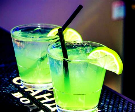 colorful alcoholic drinks www imgkid the image kid