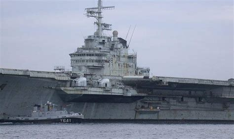 Small American Cities abandoned warships 10 decaying aircraft carriers
