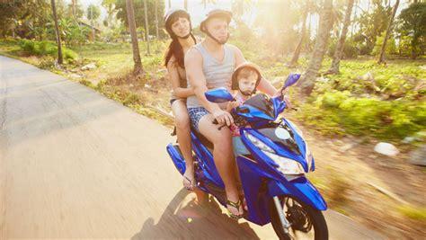 Motorrad Kinder Beifahrer by Motorrad Oder Moped Kinder Als Beifahrer Erlaubt