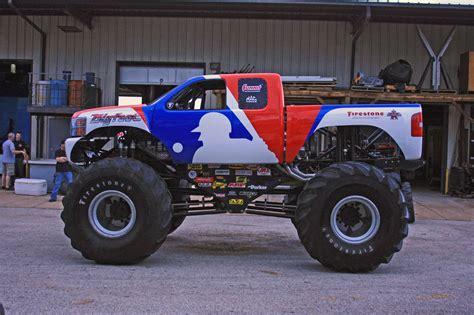 monster truck videos 2010 2010 bigfoot chevrolet silverado monster truck photo