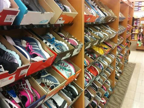 athletic shoe stores nyc shopping for shoes in dna century 21 and more