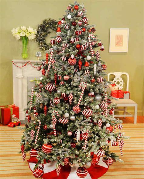 hanging ornaments video martha stewart