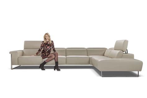 poltrone so divano angolare in pelle con poggiatesta idfdesign