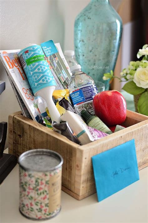 Small Welcome Home Gift Ideas 17 Best Ideas About House Guest Gifts On Guest